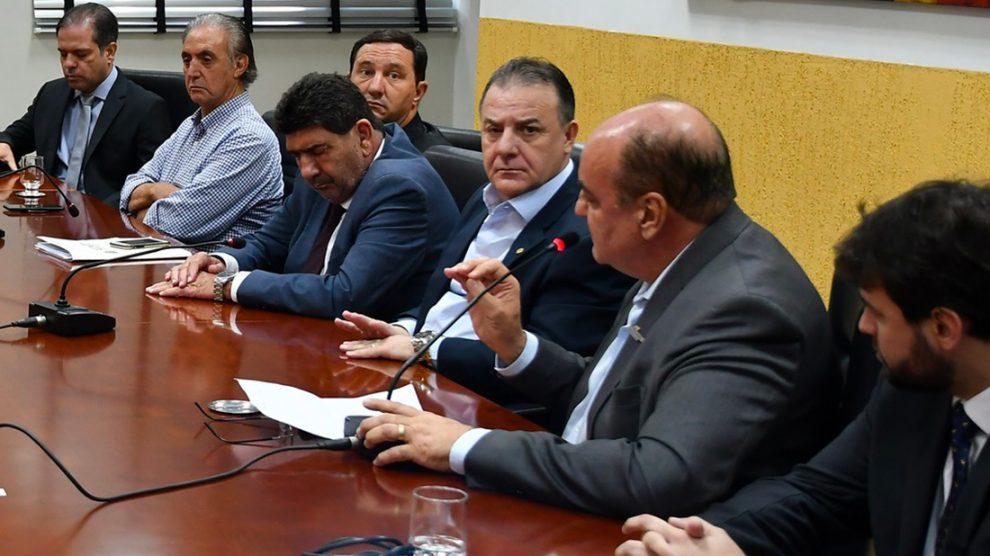 Empresários recorrem a deputados para mediar impasse com governo na cobrança do ICMS