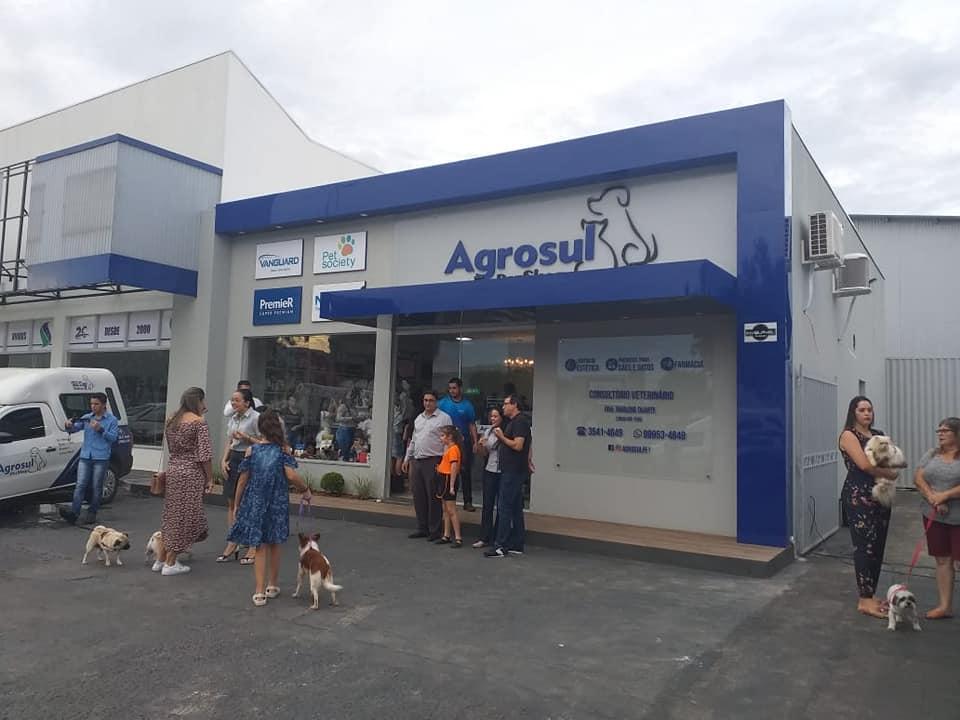 Agrosul Pet Shop está atendendo em novo endereço, na Av. Tancredo Neves em frente ao Sicredi em Colíder