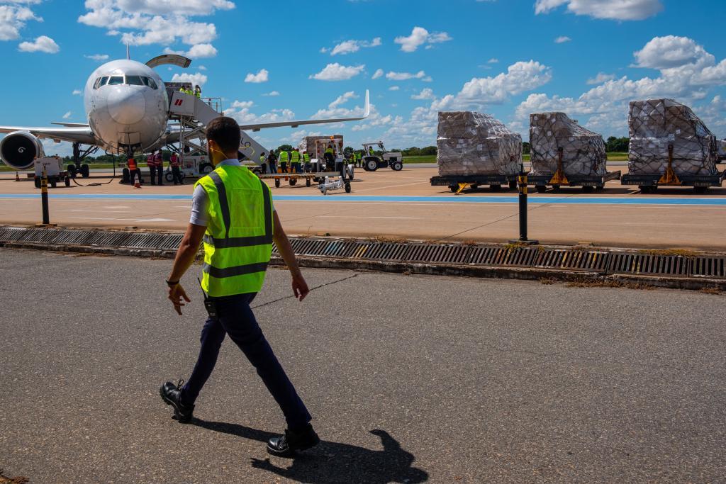 Equipamentos hospitalares comprados na China chegam em Mato Grosso