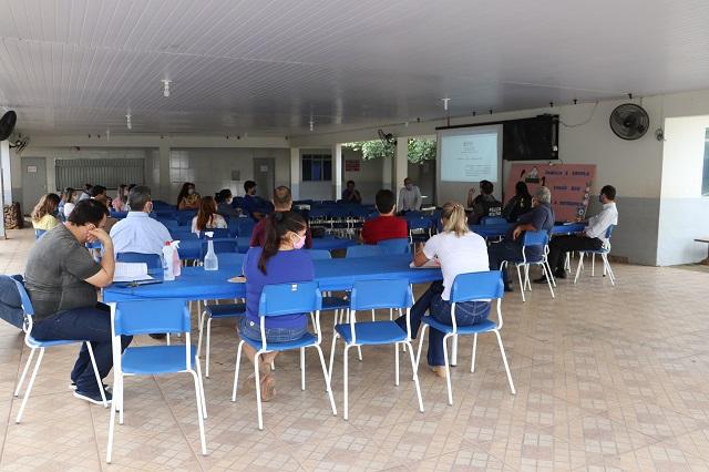 Secretaria de Educação em Colider (MT) discute protocolos para retorno da rotina escolar