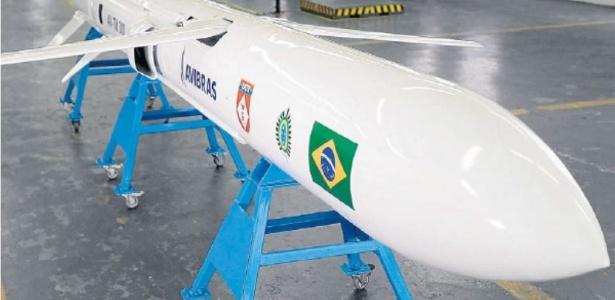 Míssil brasileiro de longo alcance está em fase final, diz ministro