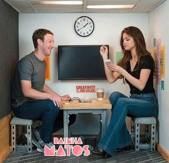 Selena Gomez manda mensagem ao dono do Facebook com pedido comovente