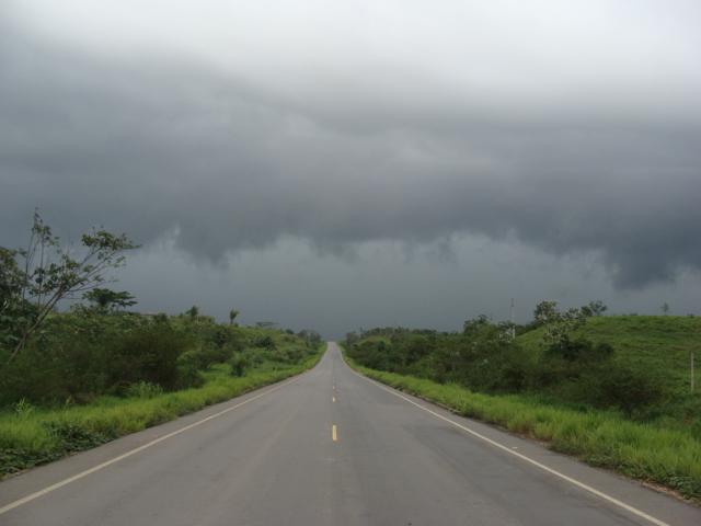 Chuvas, raio e granizo; veja a previsão do tempo para esta quinta (8) em todo o Brasil