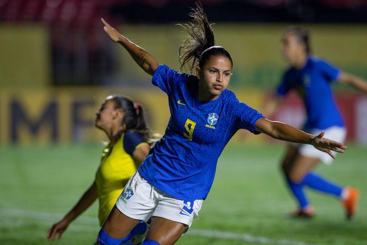 Brasil faz oito no Equador e aplica maior goleada com Pia Sundhage