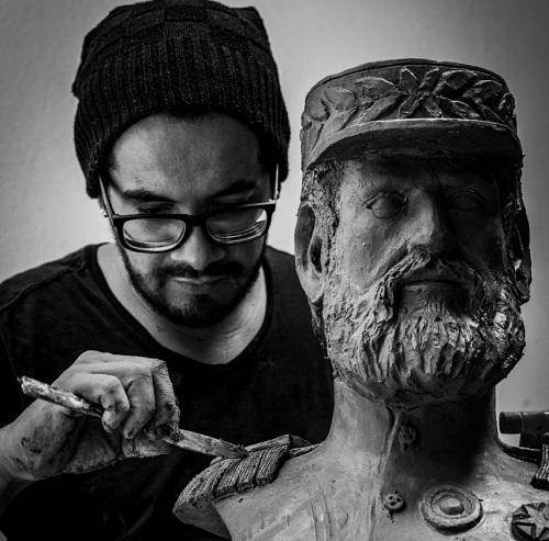 Artista plástico homenageia personalidades mato-grossenses com exposição de bustos