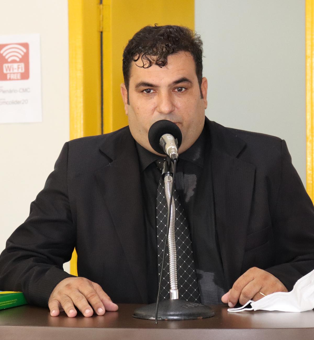 Luciano Milani fala sobre recursos via parlamentar, abastecimento de água, mamógrafo em desuso e projeto sobre redução de lotes em Colíder (MT); veja