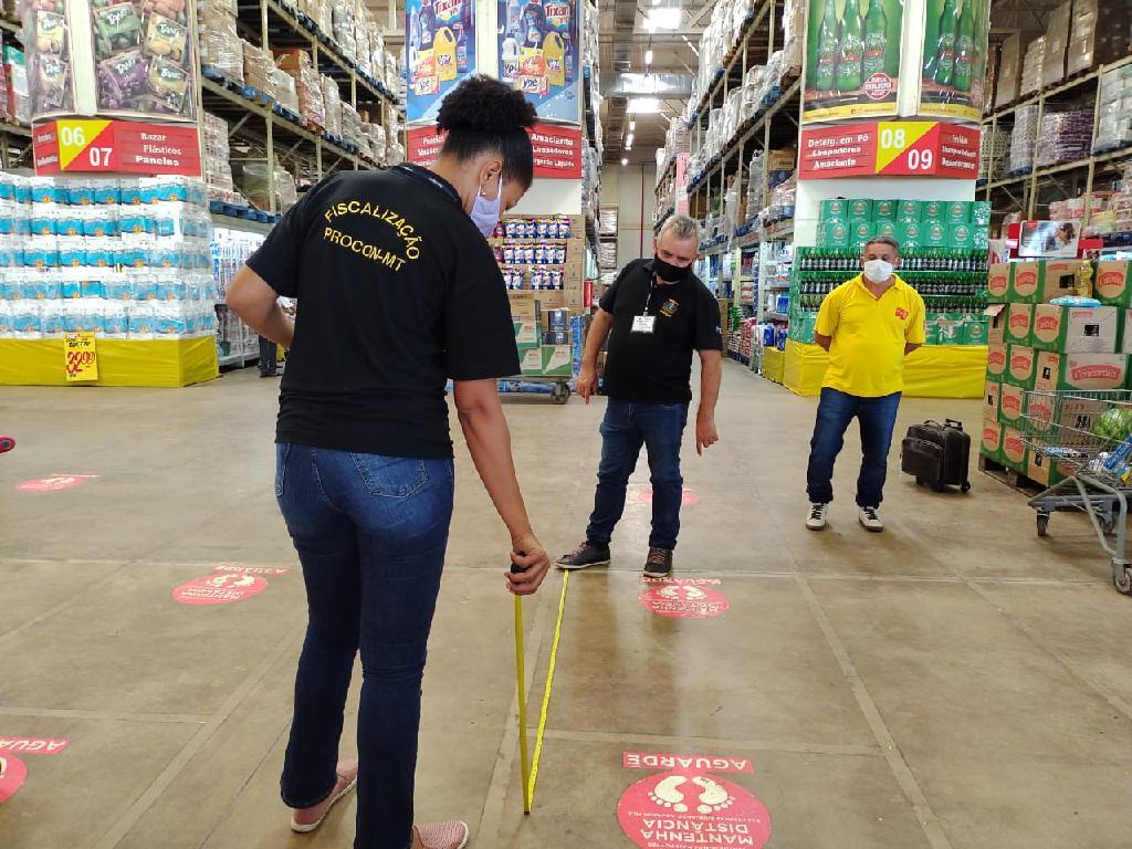 Procon Mato Grosso fiscaliza supermercados em cumprimento a Decreto Estadual