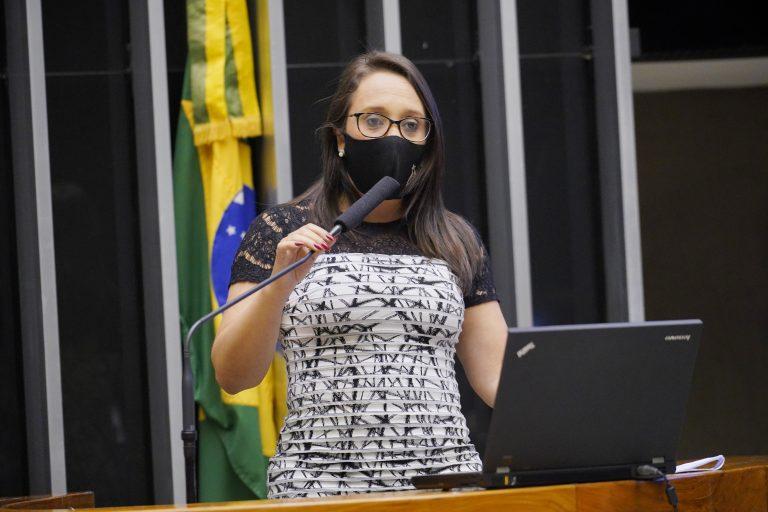 Câmara aprova projeto para ajudar setor de eventos durante a pandemia