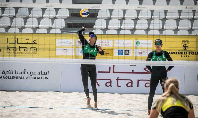 Vôlei de praia: Tainá e Victoria estão na chave principal em Doha