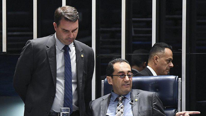 No Senado, Flávio Bolsonaro representa contra Kajuru no Conselho de Ética