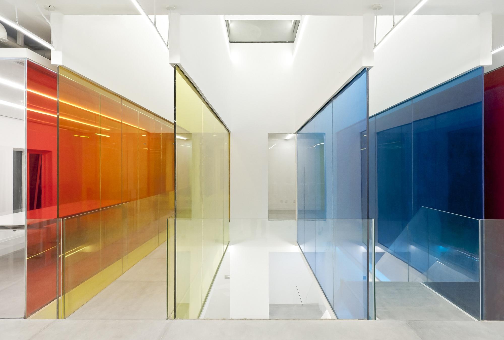 """""""Mensagem da Aliança"""": Vidros Coloridos"""