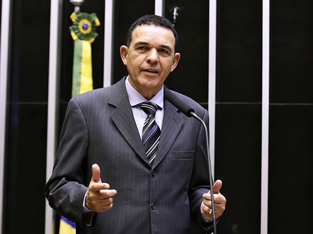 """Deputado Juarez Costa (MDB) disse em redes sociais que votaria contra o projeto que visava reduzir """"ativismo"""" judicial mas descumpre promessa"""