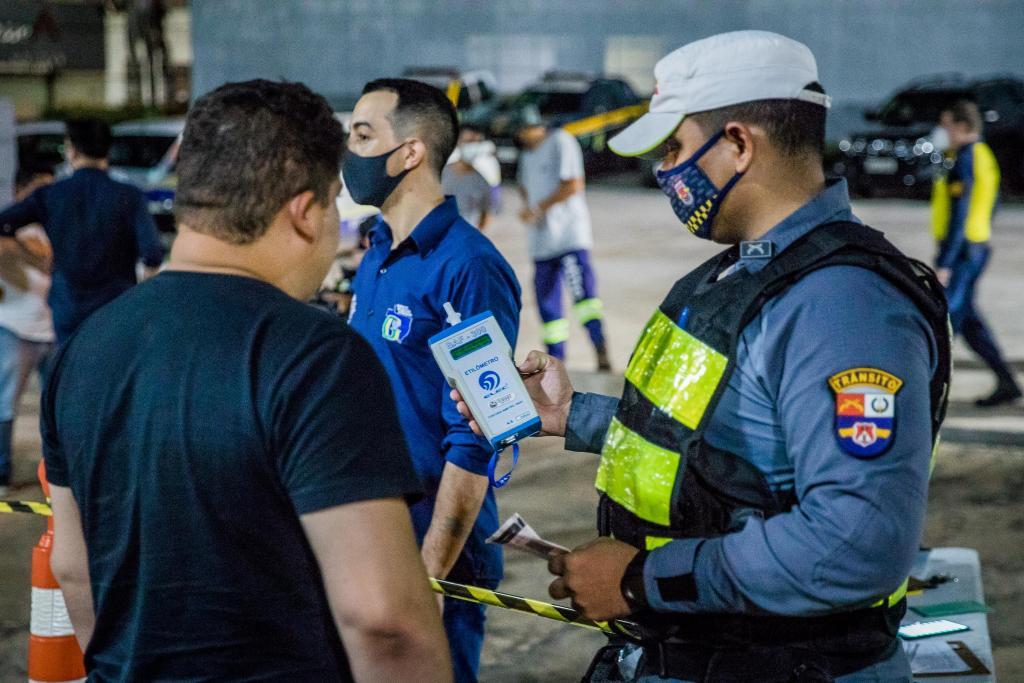 Mais de 7 mil pessoas foram detidas em MT por descumprir normas de biossegurança