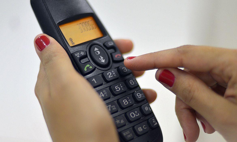 Telefone faz 145 anos: brasileiros contam histórias sobre o aparelho