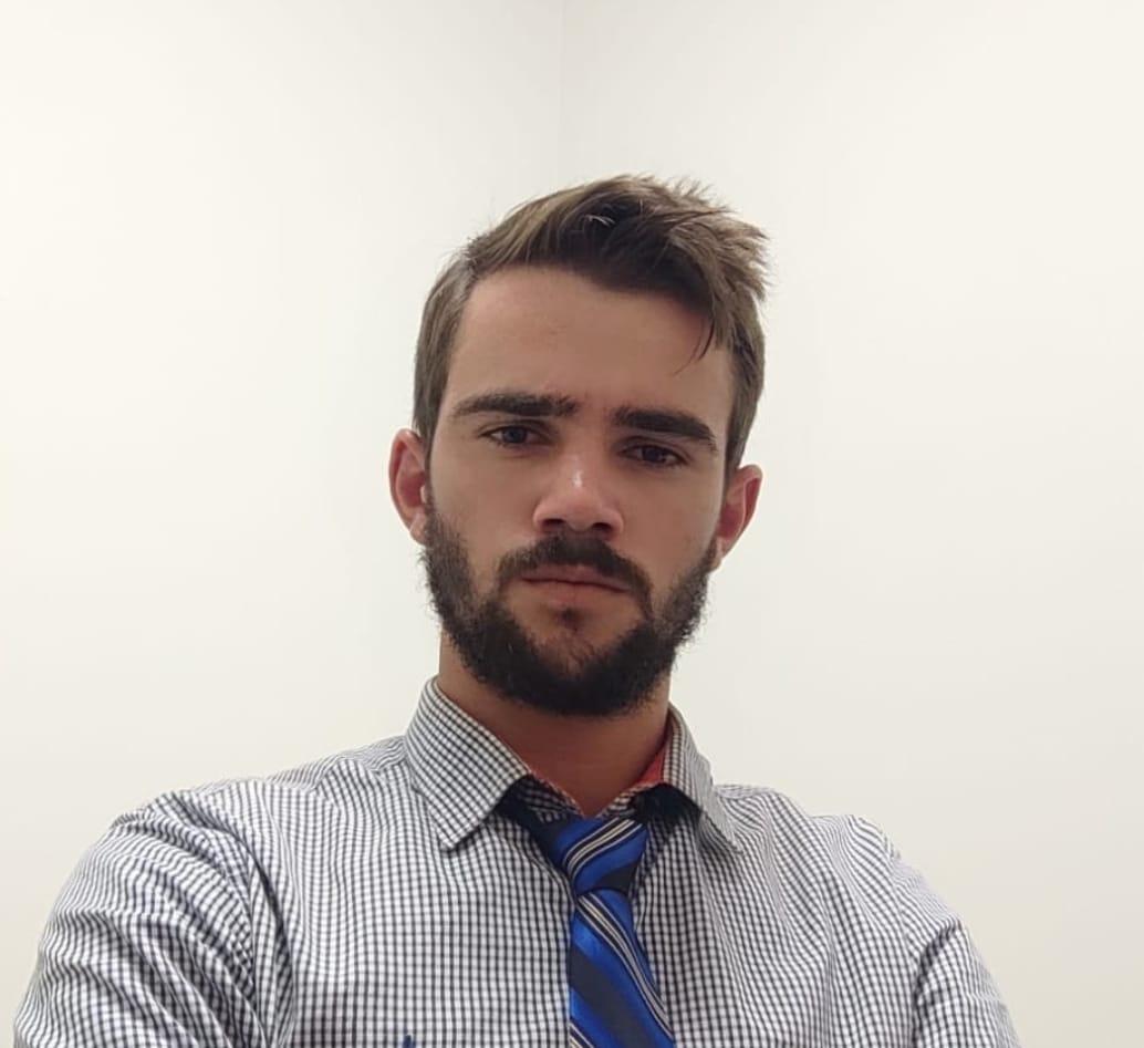 """Vereador Lucas Pinheiro, de Nova Canaã (MT) fala sobre o """"Movimento Brasil Verde e Amarelo"""" que organiza ida a Brasília no dia 15/05 em apoio ao presidente"""