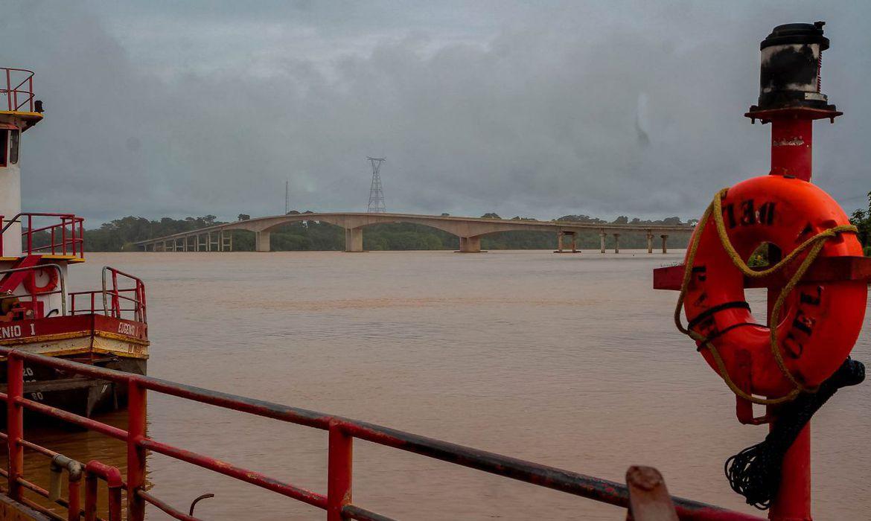 Ponte do Abunã reduzirá custo do transporte no Acre, diz Bolsonaro