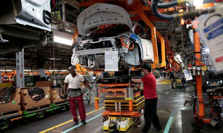 Monitor do PIB-FGV vê recuo de 0,7% na atividade econômica em abril