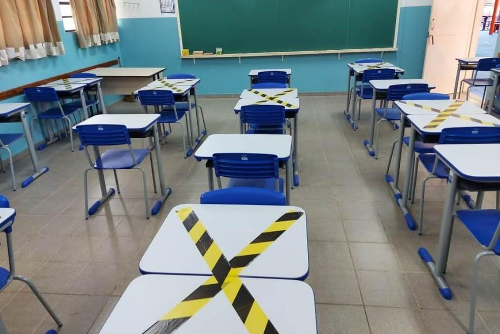 Aulas presenciais em MT retornam com 50% dos alunos nas escolas estaduais no dia 3