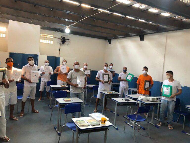 Projeto de erradicação do analfabetismo é implementado em 11 unidades penais de Mato Grosso