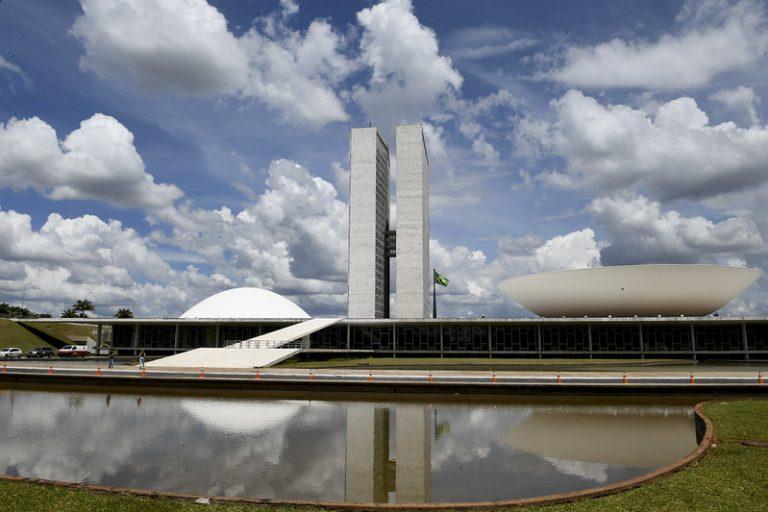 Congresso realiza sessão nesta segunda-feira (27) para análise de projetos e vetos presidenciais