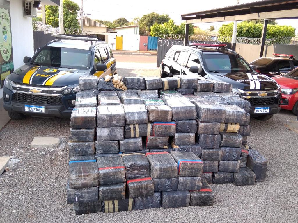 Polícia Civil e PRF apreendem 3,8 toneladas de maconha em rodovia na divisa entre MS e SP