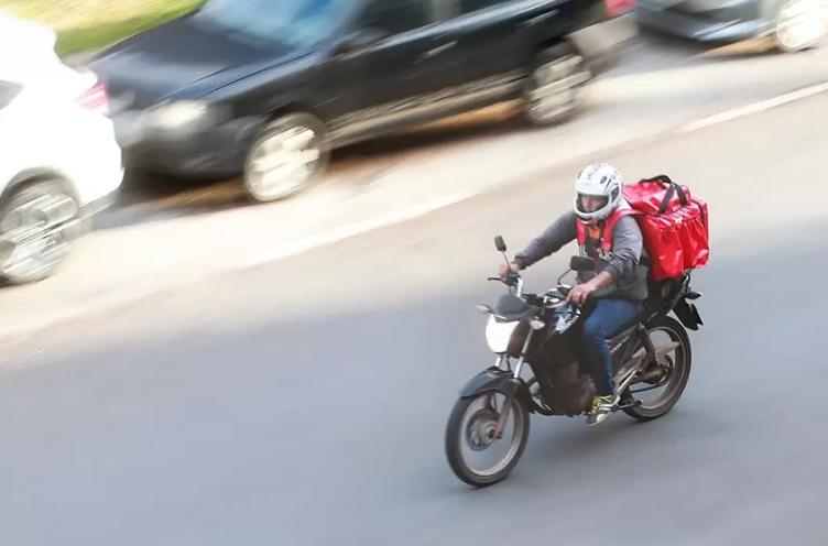 Aprovada instalação de frente parlamentar em defesa dos motofretistas e mototaxistas