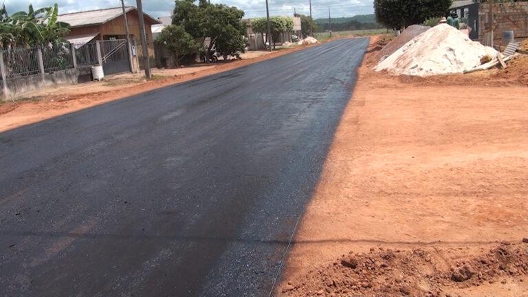 Secretaria de Obras e Infraestrutura segue com  pavimentação asfáltica em Guarantã do Norte (MT)