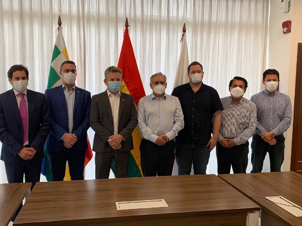Governador assegura fornecimento de gás natural a MT em reunião com ministro de Hidrocarburos e presidente da YPFB