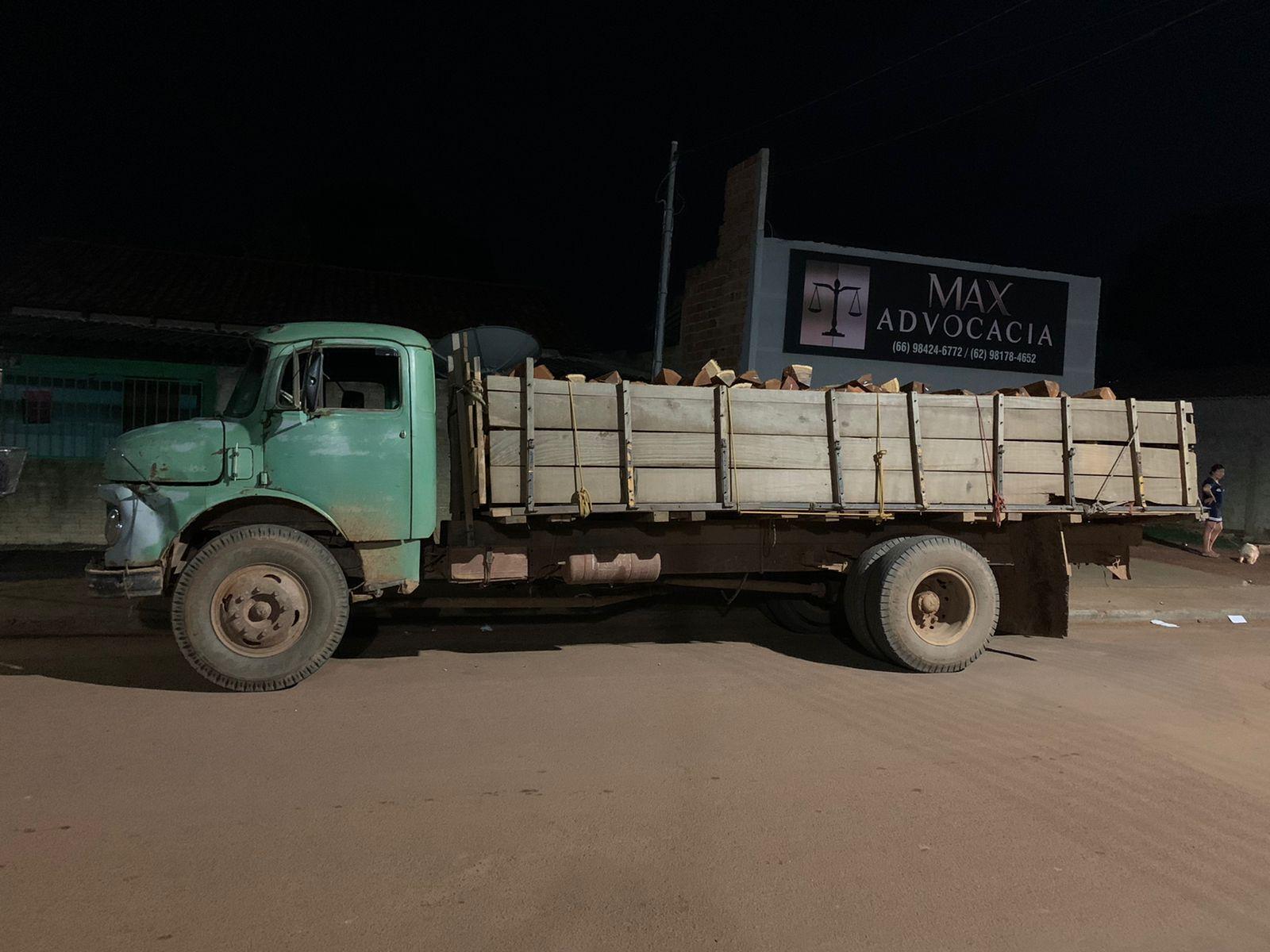 Motorista é preso por crime ambiental transportando 250 estacas de angico em MT