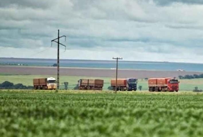 Frete rodoviário sobe 1,58% no Brasil em agosto enquanto diesel dispara, aponta FreteBras