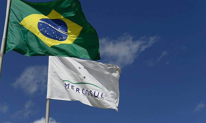 Brasil e Argentina fecham acordo para cortar tarifa do Mercosul em 10%
