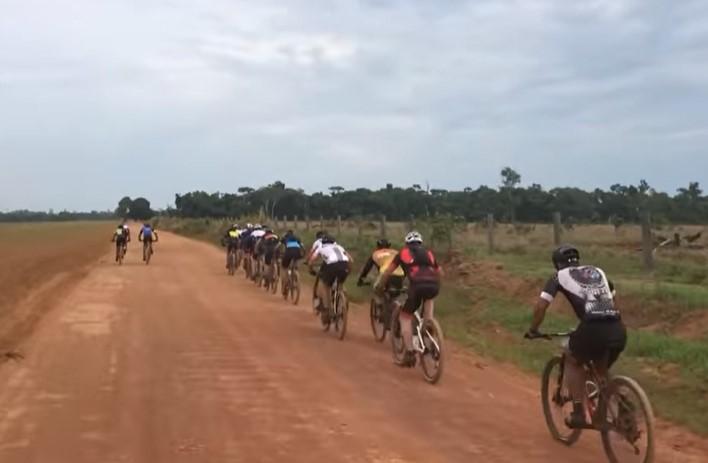 Quatro atletas de Guarantã do Norte (MT) participam do 2º Rachão Sport Bike em Marcelândia (MT)