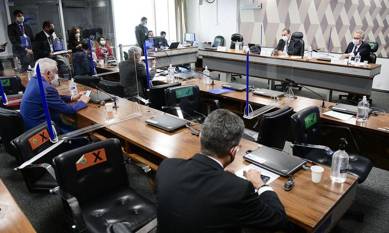 Aziz adia para quarta-feira (20) a leitura do relatório da CPI