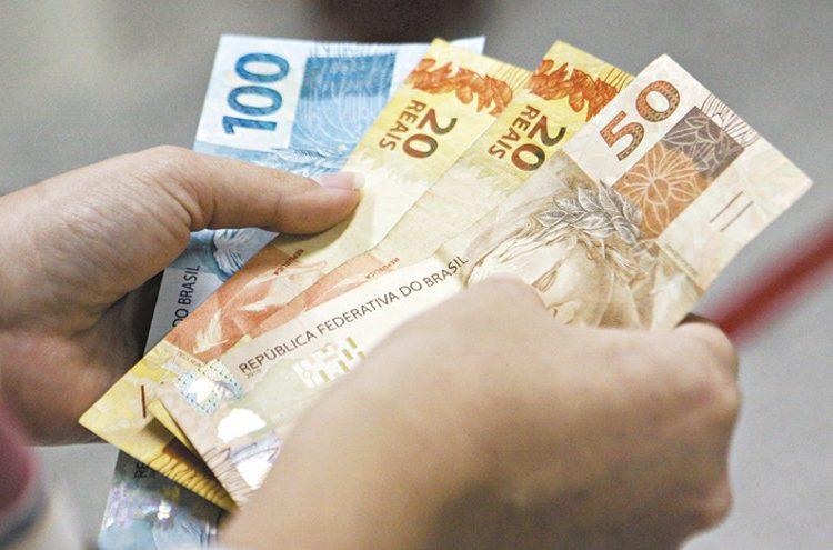 Auxílio Brasil deve beneficiar 17 milhões de brasileiros