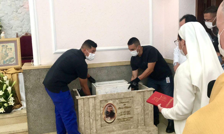 Restos mortais de menino a ser canonizado chegam a São José dos Campos